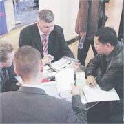 Lilliput Optoelectronics Technology Co. Ltd (Hong Kong) - Business negotiation
