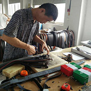 Yiwu God Beauty Import&Export Co.,Ltd - Another Full Experienced Master is Working