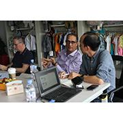 Ningbo Yinzhou Taifeng(Zhibao) Garments Co.,Ltd. - Meeting with Buyers