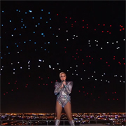 Intel drones light up the sky at Super Bowl LI