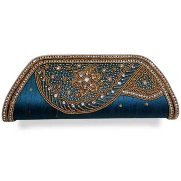 Women's clutch uses raw silk