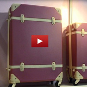 Antique-style luggage [VIDEO]