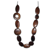 Fashion necklace uses sheesham wood