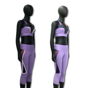 Yoga wear set features reflective print