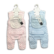 Baby clothing set includes romper, jumpsuit