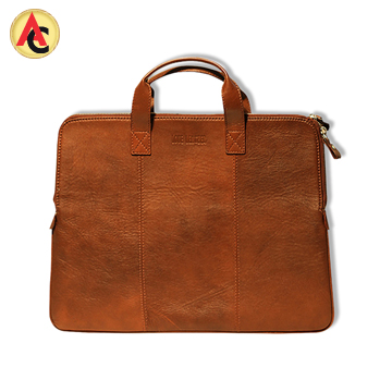 Vintage-style laptop bag in pure leather