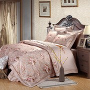 Home bedding set combines printing, embroidery