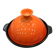 Ceramic tajine pot heats up to 800 C