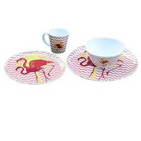 Dinnerware set shows matching flamingo print