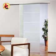 Automatic sliding door detects obstruction