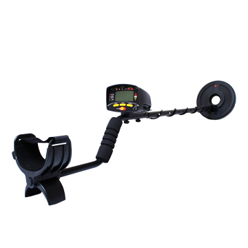 Metal detector with water-resistant coil